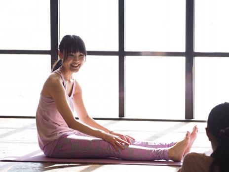 働き女子のための月経リズムに合わせた、からだを緩めるケアエクササイズ講座