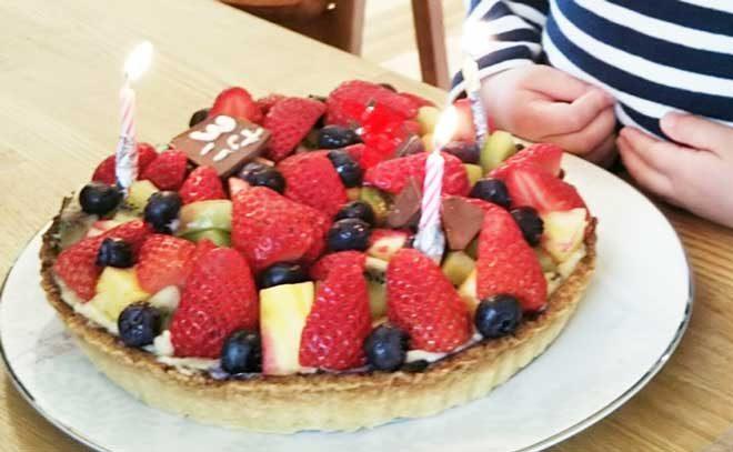 手作りのベリーベリーチーズケーキ